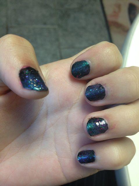 Cómo pintar las uñas Galaxy Inspirado