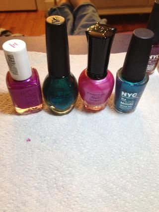 Doesn't matter what brand you use, but make sure it is sparky or shimmery�� I used four colors, but you can use less!