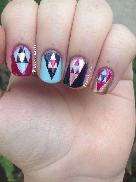 Fotografía - Cómo pintar las uñas anidada Triángulo