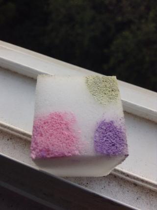 Esponja en verde pálido a la esquina te dejó blanco. Estos son los colores que utilicé :)