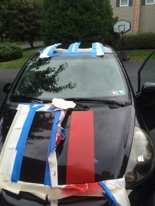 Rocíe la salsa plasti uniformemente en el coche pulverización continuamente hasta que se acumula y se pone muy oscuro. Antes de que se seque, retire la cinta lentamente !!!