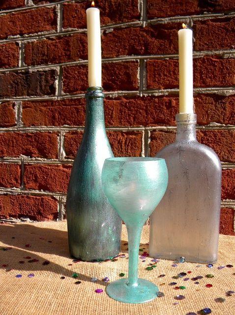 Cómo pintar botellas recicladas de vidrio de Kathy Adams