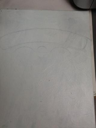 Siguiente dibujar una pequeña curva en el centro para representar la nariz y dos curvas más grandes en cada lado de las mejillas.