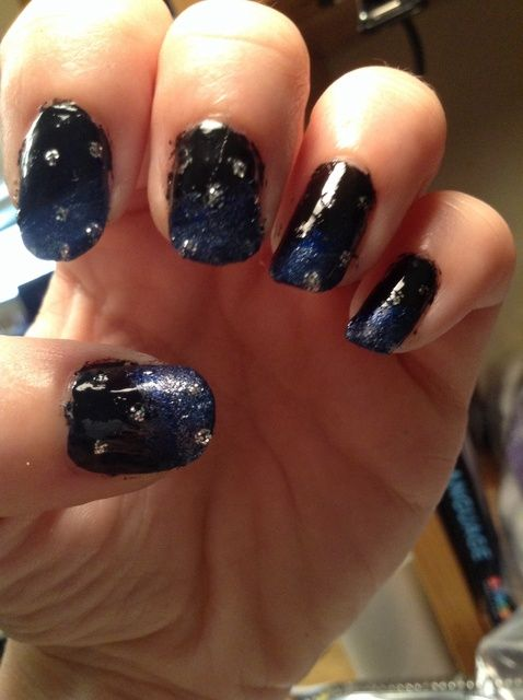 Cómo pintar la galaxia en sus uñas