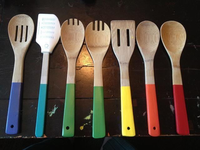 TA-DA! Aquí están su nuevo, divertido y cucharas de cocina enrrollados! Disfrute de la cocina con pizazz!