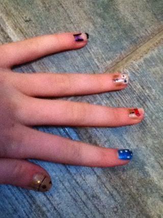 Nails para el tiempo y el espacio!