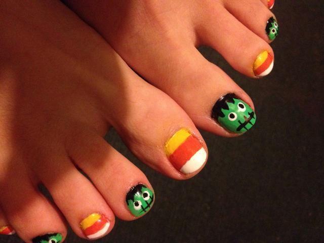 Disfrute de sus uñas de los pies de fiesta! ¡Feliz Halloween!