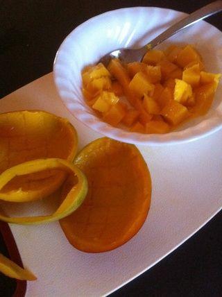 Muy poco desperdicio y es un buen tamaño para ensaladas, batidos o congelación!