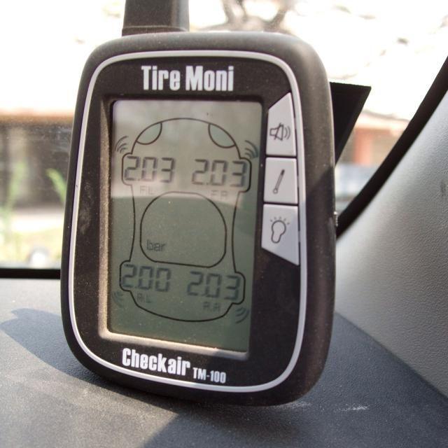 Controle su presión de los neumáticos y pregunte a su compañía de alquiler para el consejo de antemano!