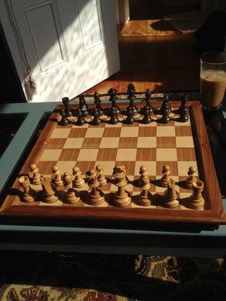 Toda la configuración! Ahora sería un buen momento para aprender un par de secuencias de apertura clásicos en el ajedrez. La Ruy López es ideal para los principiantes que don't want to think too much too soon...