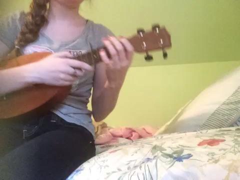 Muy fácil, ¿no? El patrón de acordes es exactamente lo mismo que lo que te mostré antes. Para el primer verso, yo no't strum, I just play a chord with certain words.