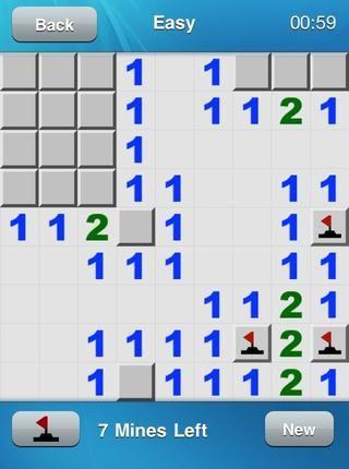 La izquierda, la mayoría de la bandera tiene un cuadrado numerado'1' directly to it's left. This 1 already has a marked mine so the two remaining adjacent squares can be clicked safely. Yay! We have a ring of 1s! Easy :D