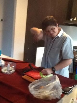 Trate de no llorar al cortar cebolla
