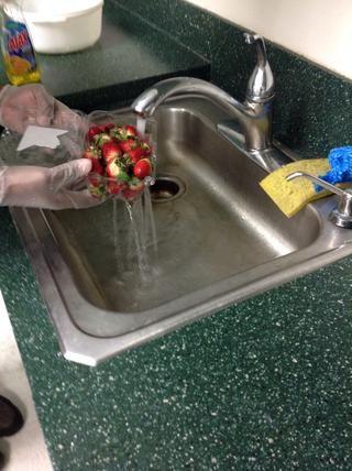 Enjuague las fresas
