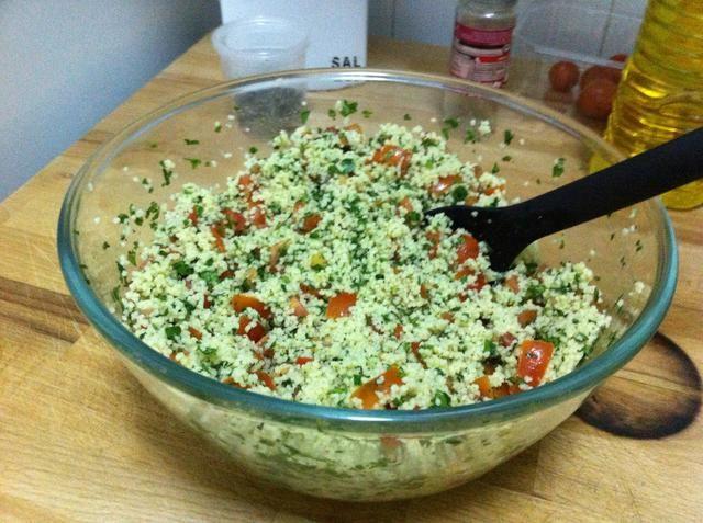 Mezclar todos los ingredientes, el sabor y añadir sal, pimienta o aceite de ustedes cree necesario