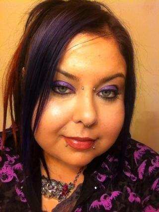 El día que llevaba este look me dieron varios elogios sobre lo grande que parecía mi maquillaje. Cualquier persona puede llevarlo a cabo, sólo se necesita un poco de tiempo extra para la mezcla, pero al final's worth the extra effort!