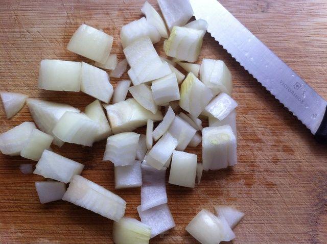 Cómo Cortar una cebolla rápidamente (Large dados) Receta