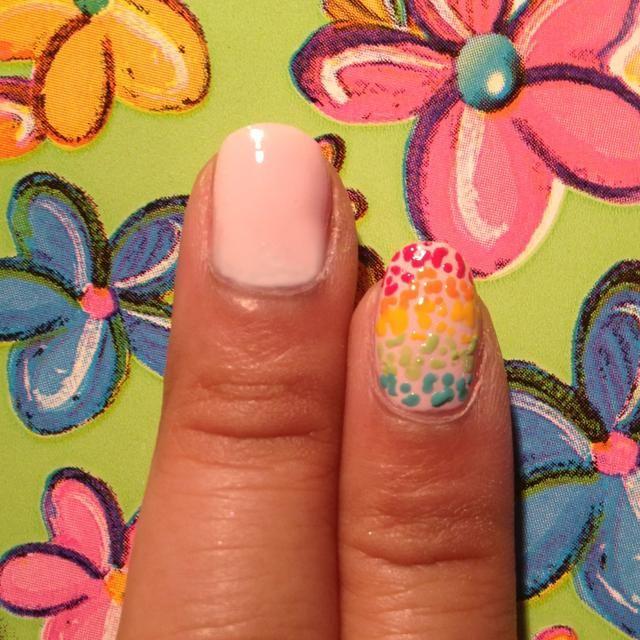 Pintar la base de color rosa pálido. Deseo que hice blanca, pero yo no't have it with me at the time.