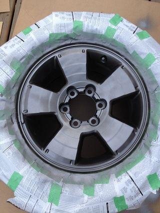 Segunda capa debe empezar a buscar para cubrir la mayor parte de superficie de la rueda.