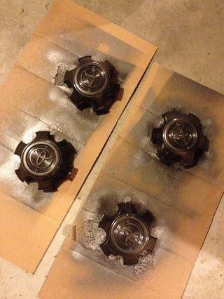 Tapas centrales de plástico pueden estar recubiertos con pintura en aerosol misma rueda de revestimiento.
