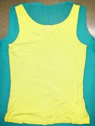 Ahora para la parte posterior del cuello, coloque la tapa en la parte posterior de la camisa.