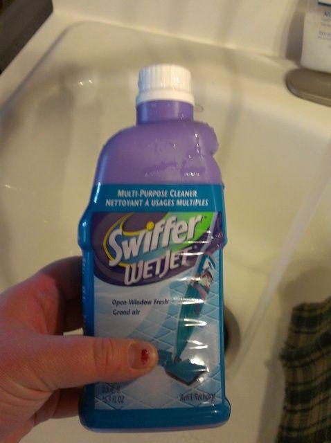 Cómo rellenar su botella Swiffer Wet Jet