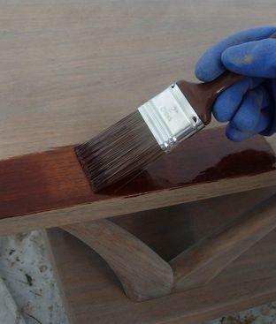 Cómo Refinish una tabla de madera - La tinción