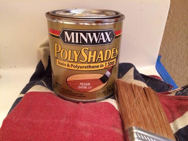 Elija su color- aquí son mis opciones de mancha y cepillo. Me gusta un color miel natural.