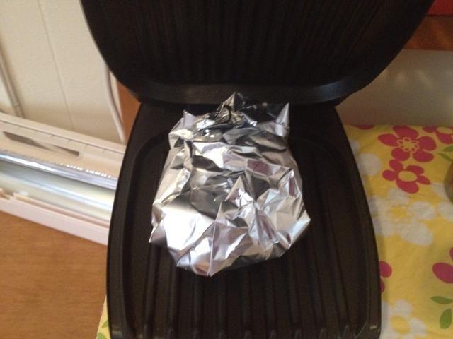 Coloque en la parrilla cubierta climatizada.