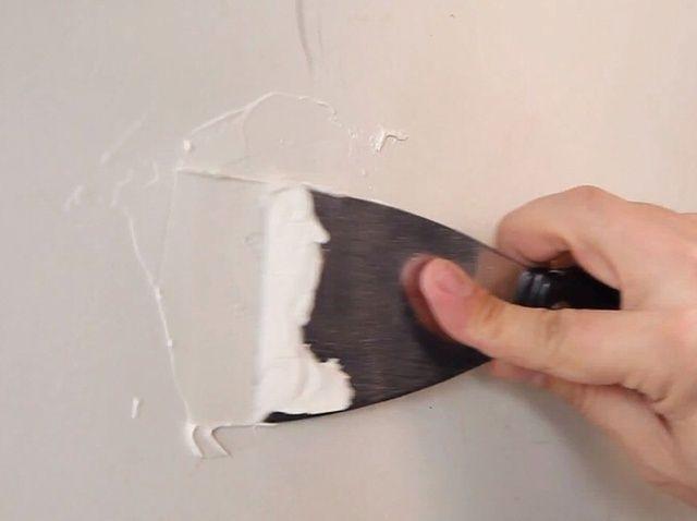 Fotografía - Cómo reparar un pequeño agujero en Drywall