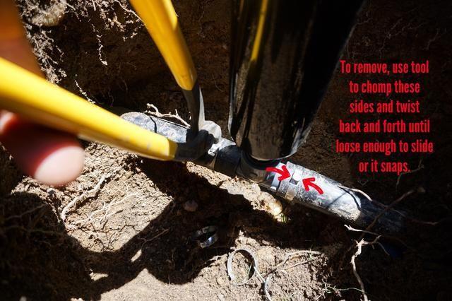 Para obtener esta habilitación tendrá que ampliar el agujero lo largo de las tuberías para que tú y los tubos de un margen de maniobra. Eliminar / aflojar las correas de ahora como se describe.