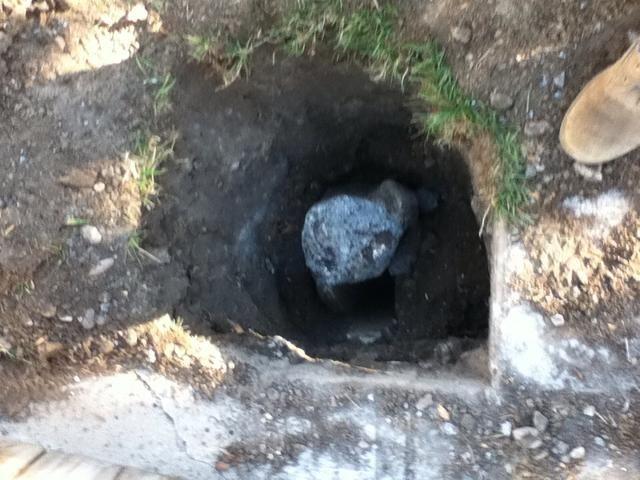 Puede tomar algún tiempo para excavar el suelo y hormigón viejo.