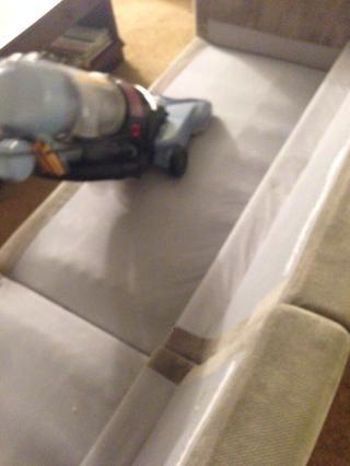 También podría ser una buena idea para aspirar el sofá.