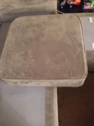 Voila! Un colchón de abajo. repetir hasta que haya cubierto todos los cojines de espuma.