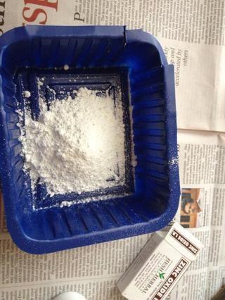 Añadir polvo de óxido de zinc.