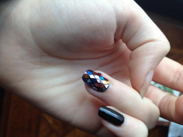 Son delgados y moho bien a su forma de la uña, que es ideal para las uñas súper curvas