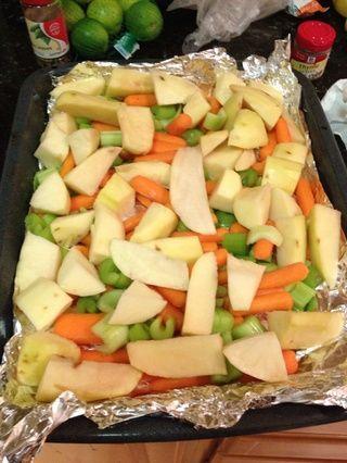 Line La asadera con verduras y papas picadas.