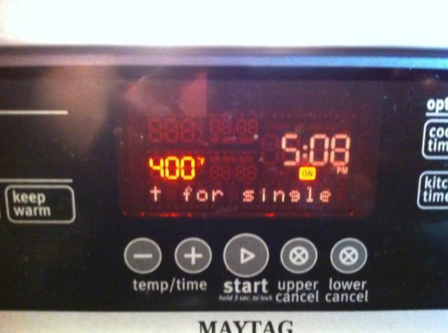 Parada para Precaliente el horno a 400 grados.