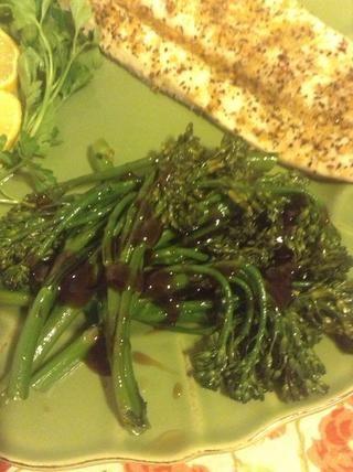Servir y disfrutar de este delicioso, vegetal saludable. Me gusta a lloviznar un poco más de salsa de ostras en pero eso's just how I roll. Enjoy!