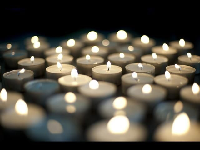 Y si quieres ahorrar aún más, utilice velas! Alguien sabe cómo convertir candelas de lúmenes? haha