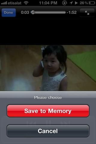 La aplicación le preguntará si desea guardarlo en la memoria del teléfono. Simplemente haga clic en la ficha roja