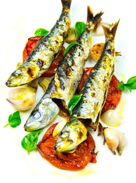 Cómo Escala y sardinas limpias