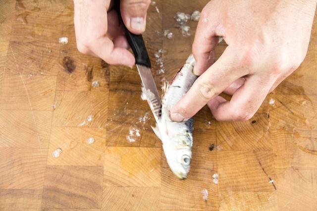 Trabajar el cuchillo en un movimiento rápido.