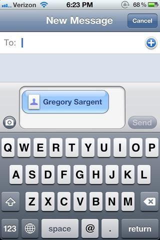 iMessage lanza con su tarjeta de contacto que ya está fijado. Sólo tienes que añadir un número de teléfono o dirección de correo electrónico y iCloud cualquier mensaje hace cosquillas a su fantasía.