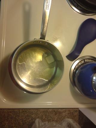 Mantequilla caliente un aceite de oliva 1 cucharada de mantequilla. aceituna de aceite 1/3 taza.