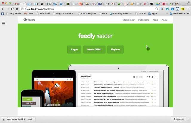 Desde la página principal de Feedly, seleccione las 3 barras apiladas en la esquina izquierda. Aparecerá el menú desplegable.