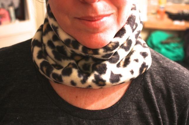 Usted tiene un cuello personalizada tostado más caliente! Denise inmyblueroom.blogspot.com