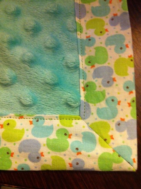 Cómo coser un rincón agradable en una manta