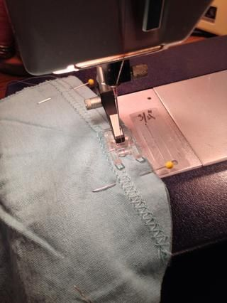 Para la velocidad y la profundidad máxima de bolsillo, no recortar los dobladillos de la manga.