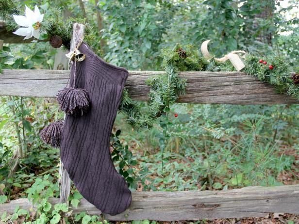 Fotografía - Cómo coser una media de la navidad upcycled-suéter